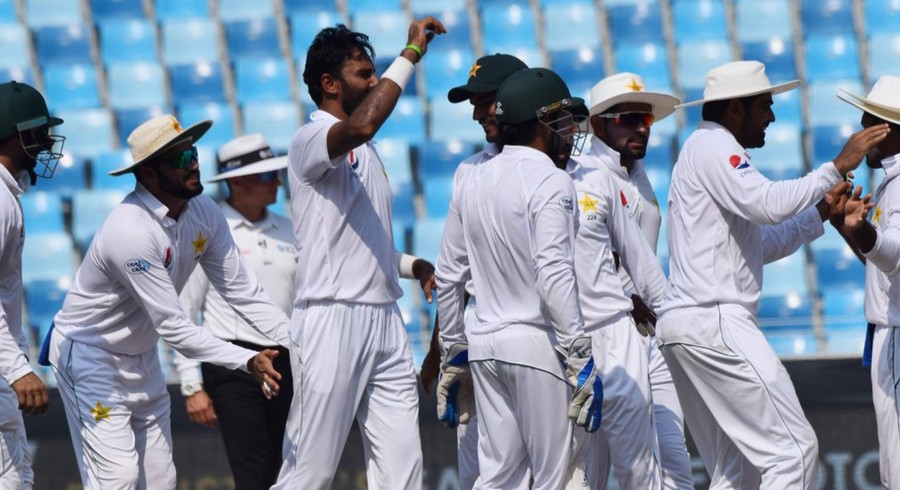 Australia fight back after Asif's six wicket haul