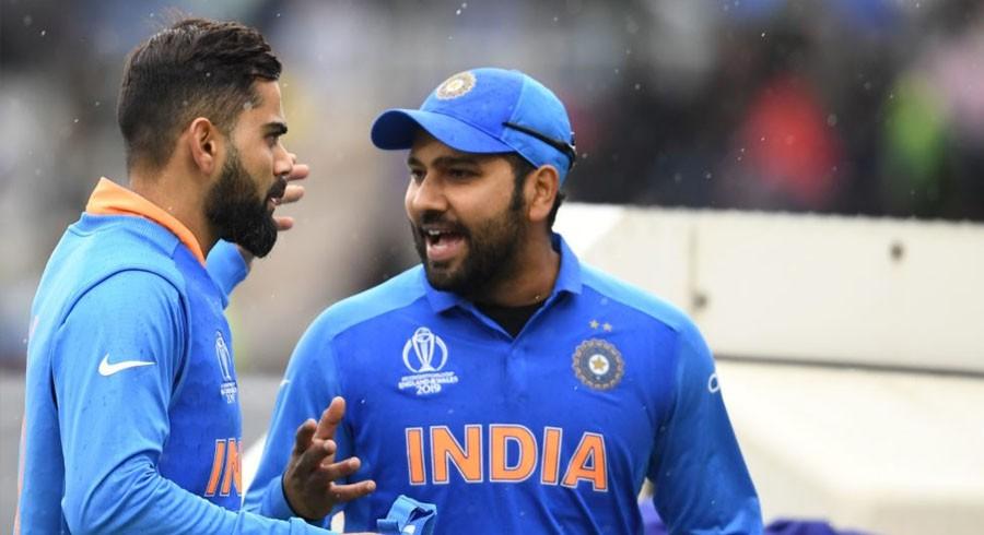 Kohli breaks silence on rift rumours with Rohit