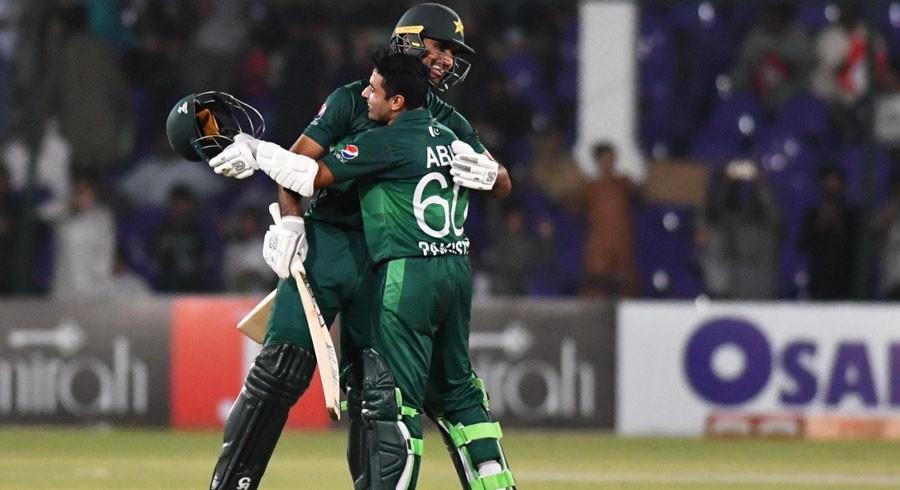 Pakistan win by five wickets, claim ODI series two-nil