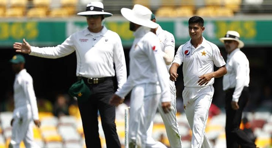 WATCH: Umpires fail to call 21 Pakistan no-balls on second day