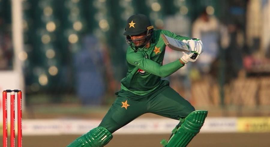 Malik stars as Pakistan down Bangladesh in first T20I