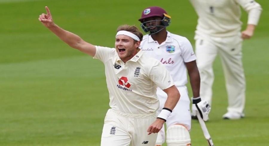 Broad takes 500th Test wicket to join illustrious company