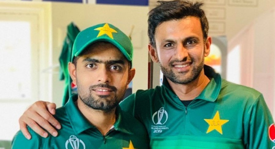 'Disappointed' Shoaib Malik urges Babar Azam, team management to back players