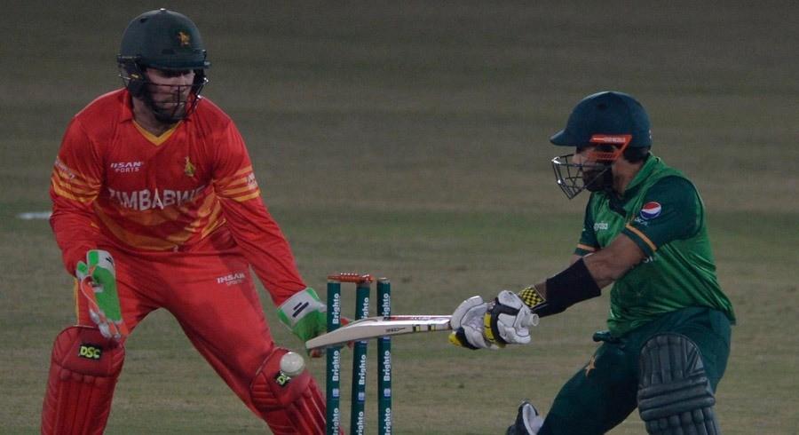 WATCH: Pakistan batting in tatters during third Zimbabwe ODI