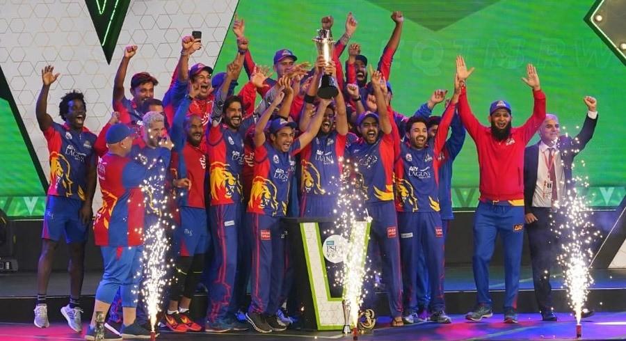 Karachi Kings down lacklustre Lahore Qalandars to clinch maiden PSL title