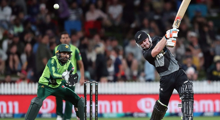New Zealand overpower Pakistan in second T20I, clinch series