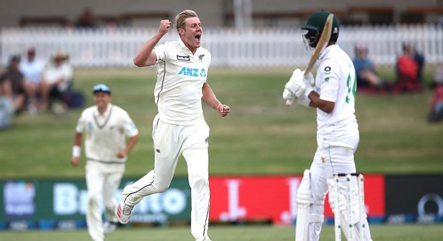 Dominant New Zealand stamp authority on hapless Pakistan in second Test