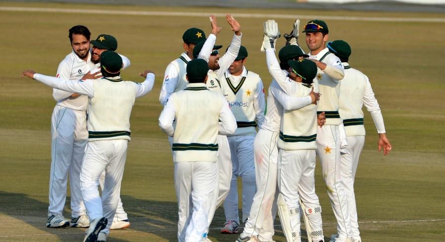 Regular wickets keep Pakistan on top despite Bavuma's resistance