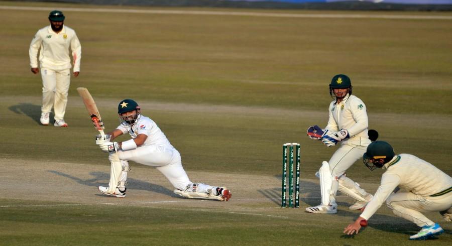Pakistan six down, lead by 200 after seesaw day three in Rawalpindi