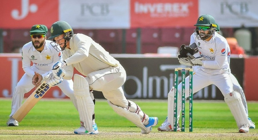 Defiant South Africa set up exciting final day against Pakistan