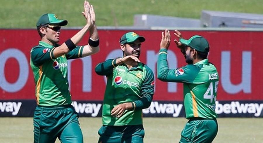 پاکستان نے پہلے ون ڈے میں سنسنی خیز مقابلے کے بعد جنوبی افریقا کو شکست دیدی
