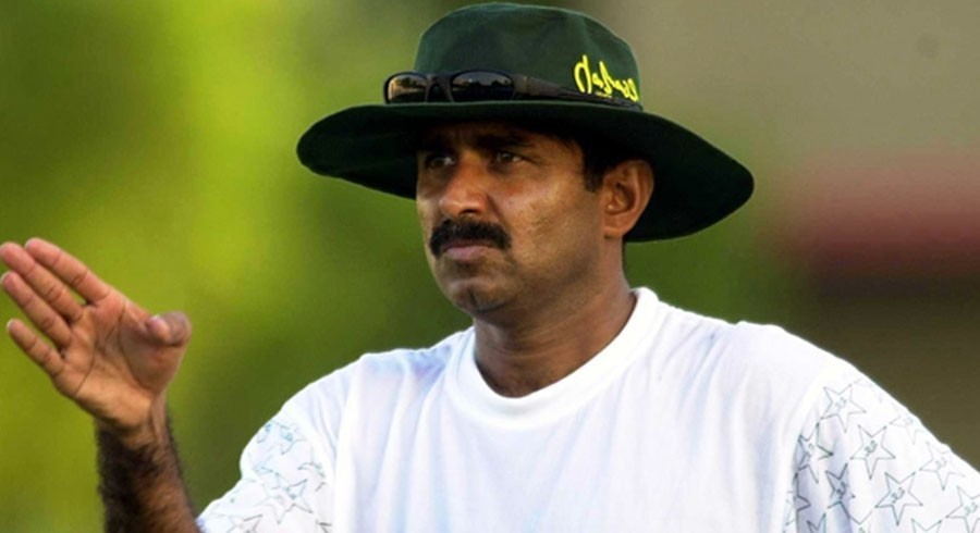 Miandad calls De Kock 'smart' after controversial Zaman run out