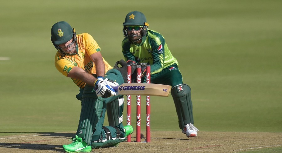 South Africa cruise to six-wicket victory over hapless Pakistan