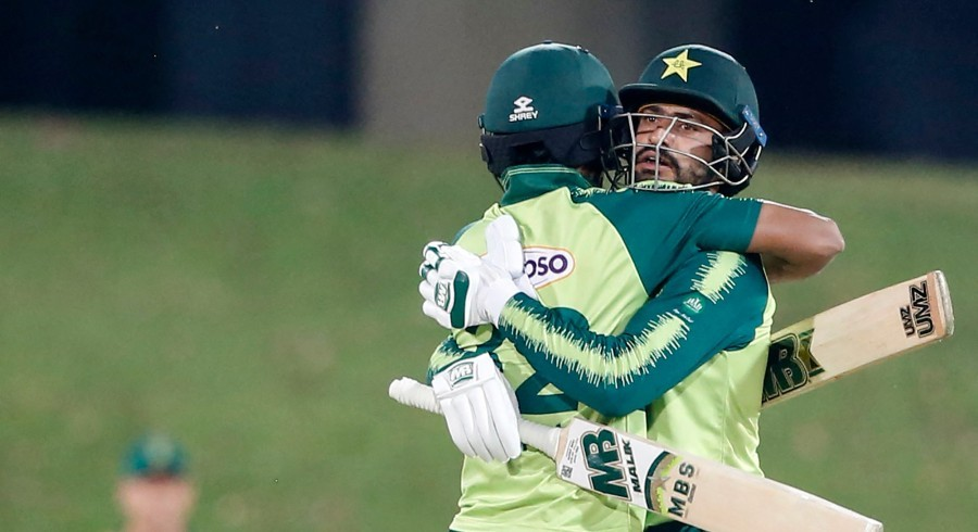 Pakistan win T20I series against South Africa after dramatic finish