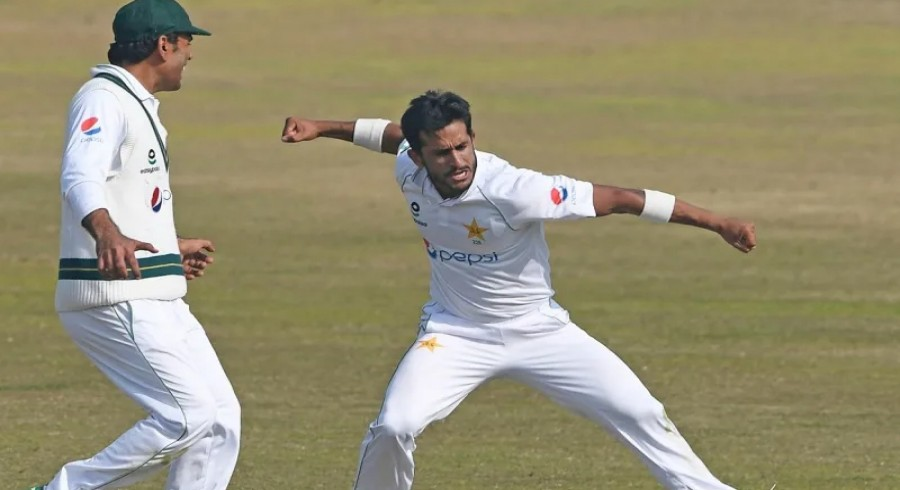 Clinical Pakistan register thumping innings victory over Zimbabwe