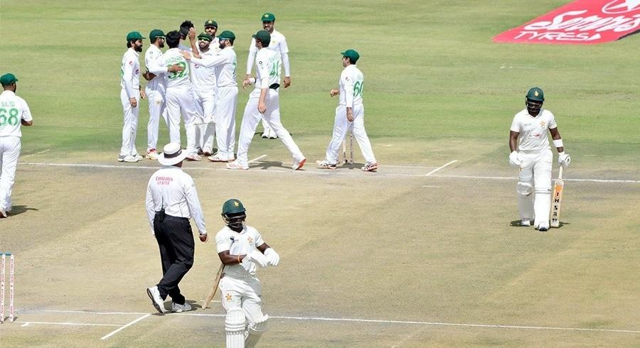 Zimbabwe slump to 118-5 at Tea, still trail Pakistan by 132 runs
