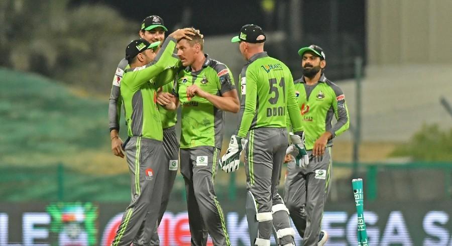 Islamabad United manage 143 runs despite Qalandars' relentless attack