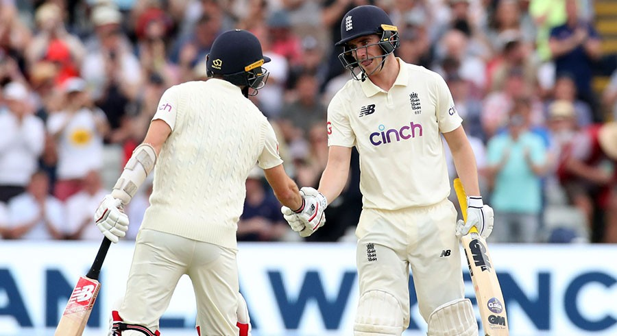 Burns, Lawrence keep England afloat against New Zealand