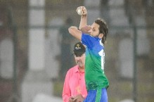 Shahid Afridi questions Covid-19 regulations for umpires