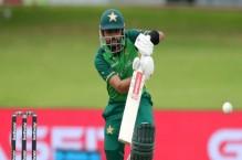 LIVE: Babar falls early as Pakistan chase 189-run target