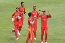 اسلام آباد یونائیٹڈ نے دلچسپ مقابلے کے بعد پشاور زلمی کو شکست دیدی