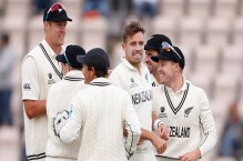 Bowlers leave WTC final on knife edge