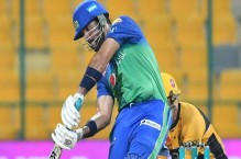 LIVE: Maqsood, Rossouw keep Sultans on track for competitive target