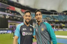 Shahnawaz Dahani over the moon after meeting 'dream player' MS Dhoni